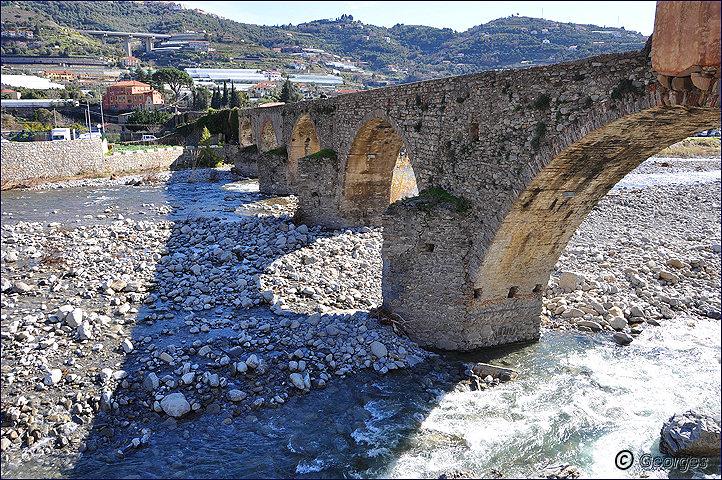 Taggia et son célèbre pont romain Pont-romain-taggia21fev10_02
