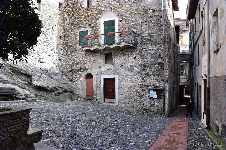 TRIORA, le village des sorcières (delle streghe) Italie Hi ! Hi ! Hi ! Hi ! Hiiiiiiiiiiiiiii Triora21fev10_05