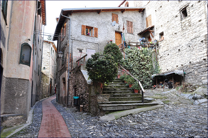 TRIORA, le village des sorcières (delle streghe) Italie Hi ! Hi ! Hi ! Hi ! Hiiiiiiiiiiiiiii Triora21fev10_06