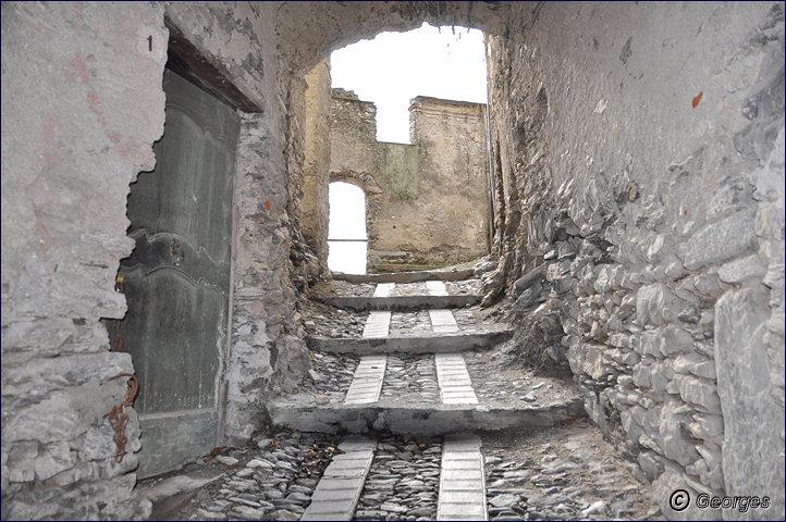 TRIORA, le village des sorcières (delle streghe) Italie Hi ! Hi ! Hi ! Hi ! Hiiiiiiiiiiiiiii Triora21fev10_08