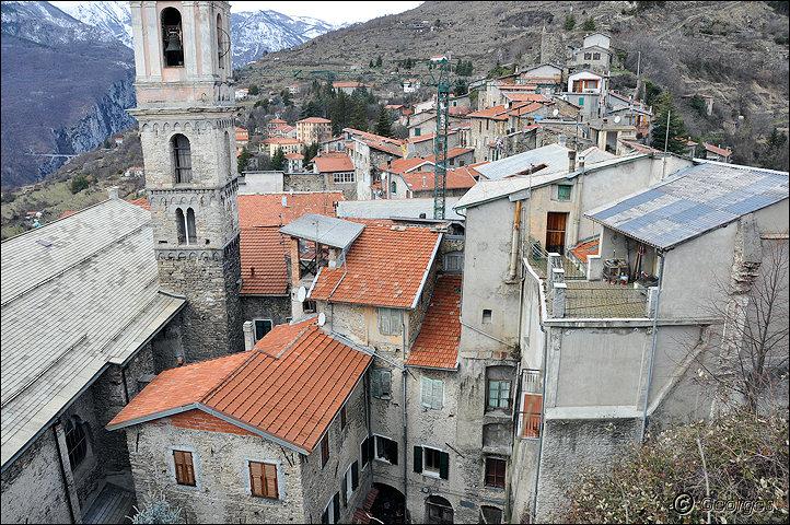 TRIORA, le village des sorcières (delle streghe) Italie Hi ! Hi ! Hi ! Hi ! Hiiiiiiiiiiiiiii Triora21fev10_09