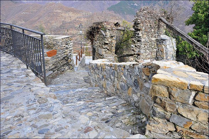 TRIORA, le village des sorcières (delle streghe) Italie Hi ! Hi ! Hi ! Hi ! Hiiiiiiiiiiiiiii Triora21fev10_12